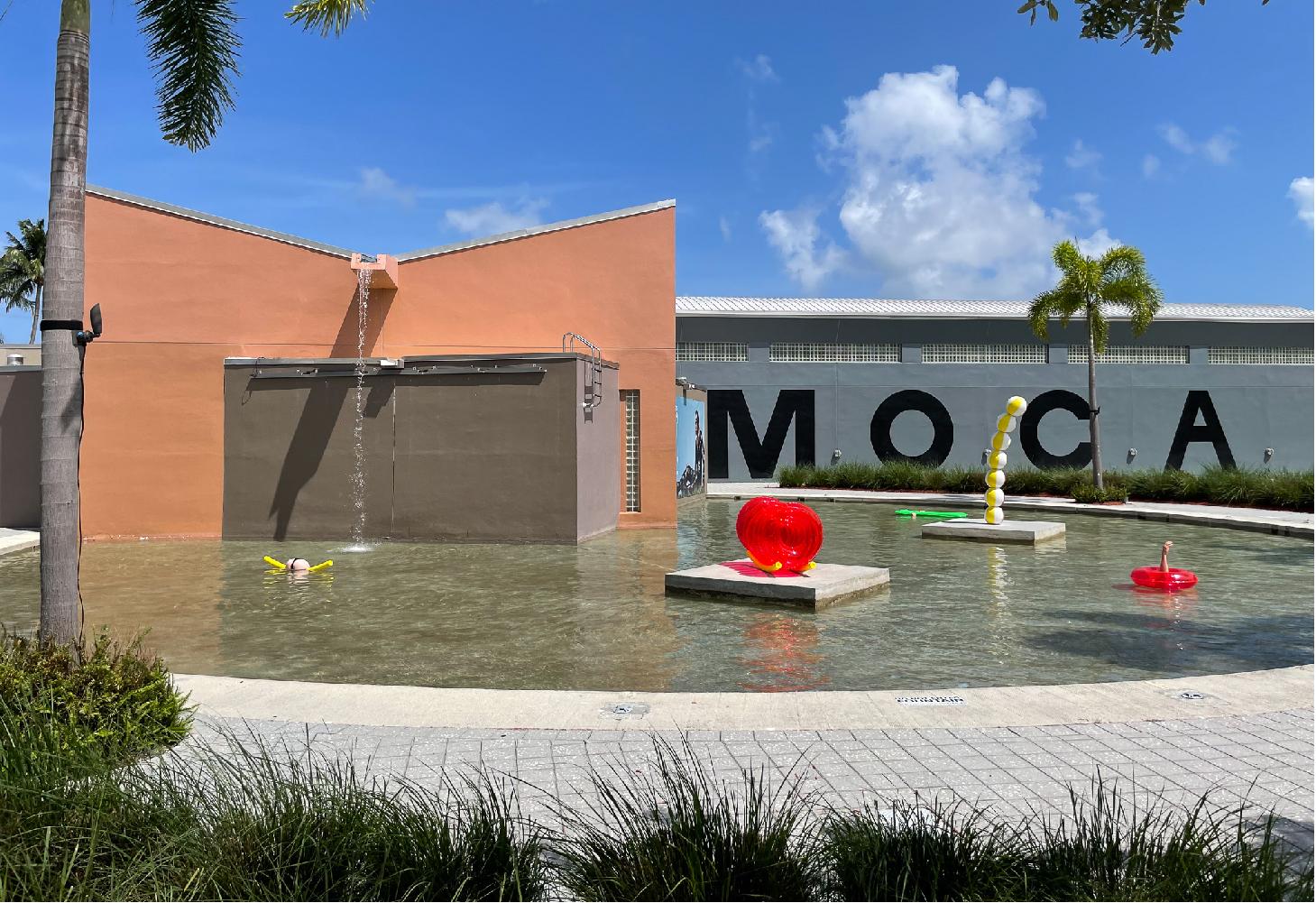 Art on the plaza: nice n' easy